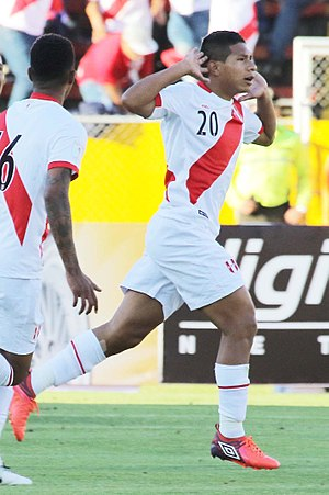 Edison Flores - Flores playing for Peru in 2017