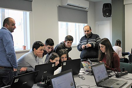 Edit-a-thon dedicated to the 150th anniversary of Hovhannes Toumanian, Wikimedia Armenia 03.jpg