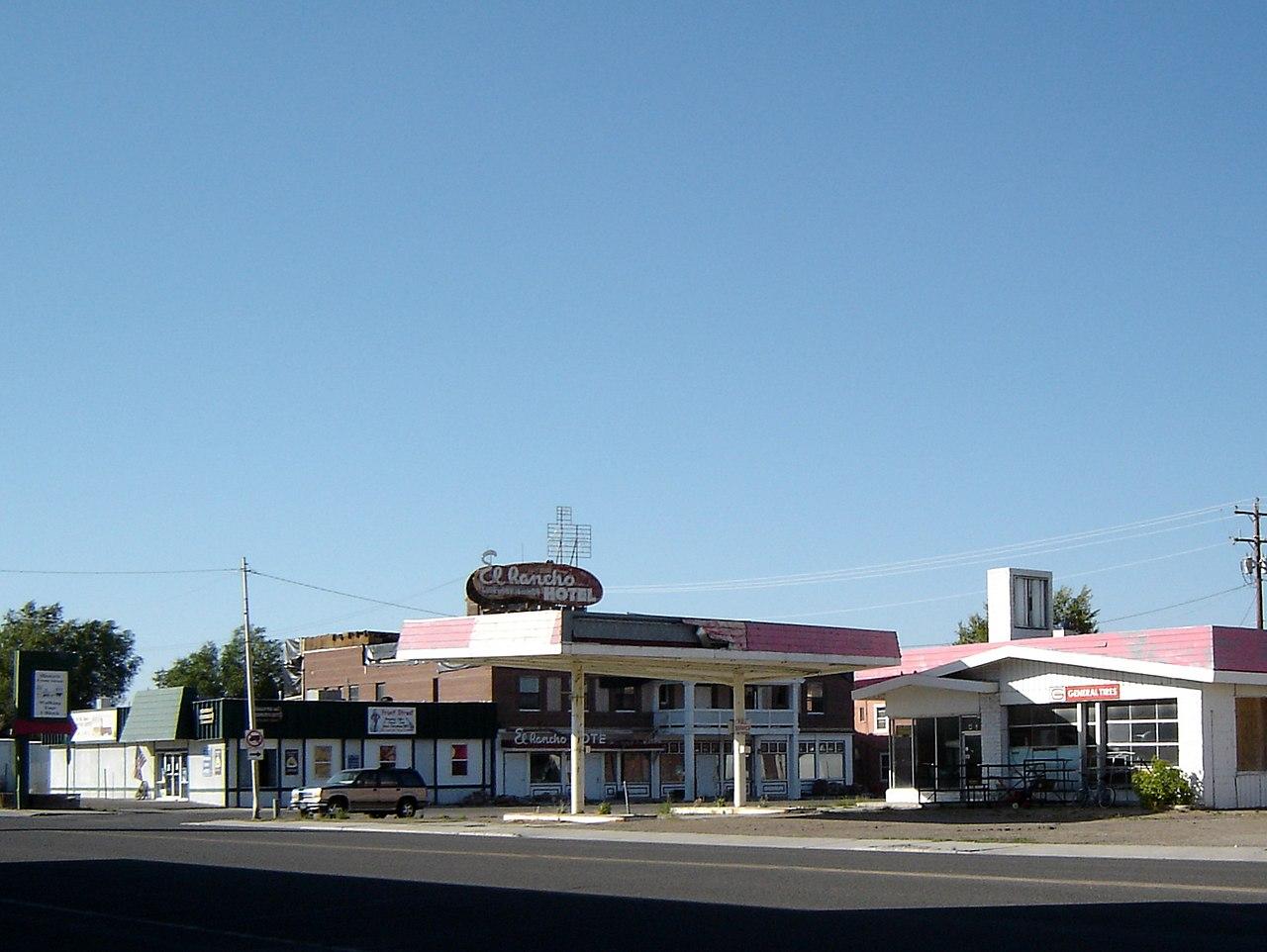File El Rancho Hotel Closed Wells Nv Panoramio Jpg Wikimedia