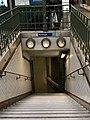 Entrée Station Métro Ranelagh Paris 6.jpg
