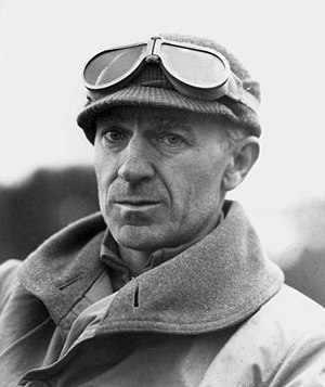 Ernie Pyle - Pyle at Anzio, Italy, 1944