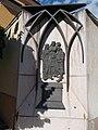 Esztergom 2016, Belvárosi ferences templom, IV. Béla király és családja domborműves emléktábla.jpg
