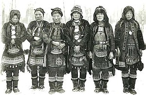 Laptev Sea - Even women in ethnic costume, early 1900s.