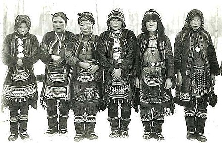 Even women in ethnic costume, early 20th century. Even women.jpg