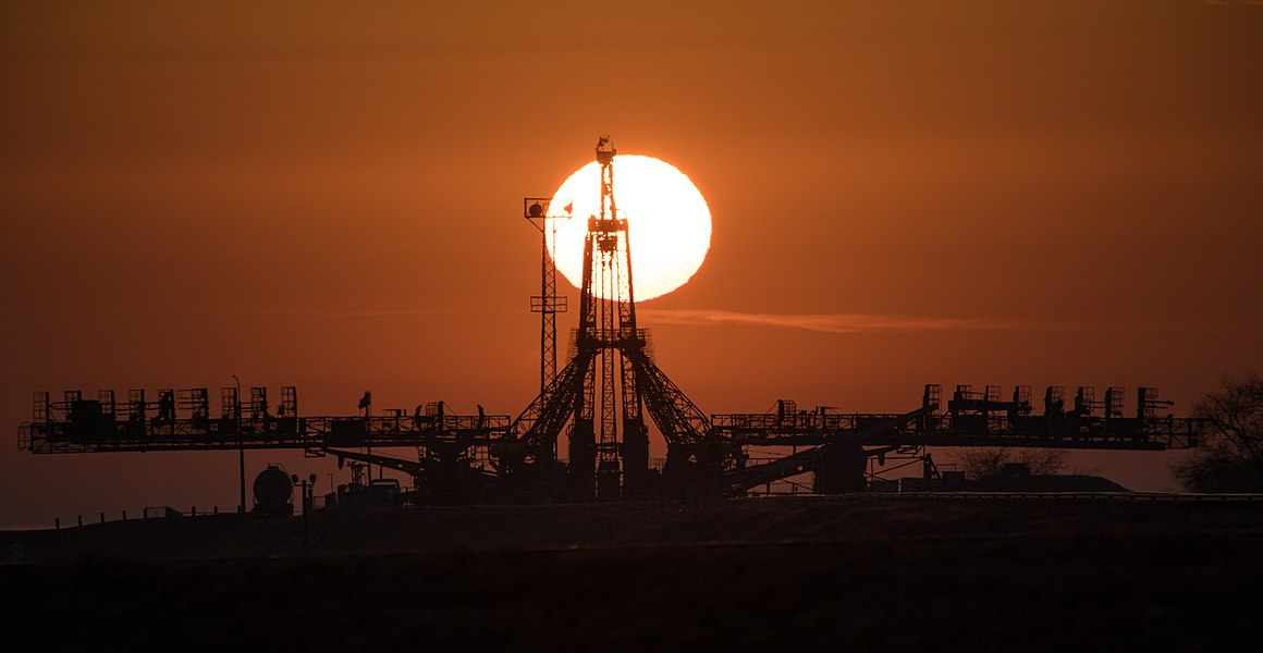 Expedition 55 Soyuz Rollout (NHQ201803190008).jpg