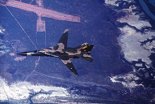 F 111 (航空機)の画像 p1_15