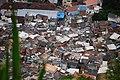 Favela z vyhlídky Mirador de Doña Marta - panoramio (1).jpg