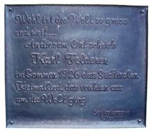 Un'insegna che commemora la creazione del Südtiroler Heimatlied: Wohl ist die Welt so gross und weit... a Renon nel 1926.