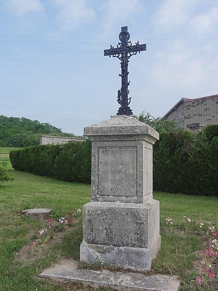 Fontenoy (Aisne) Croix de chemin