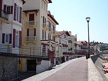 Hotels In Pezenas France
