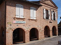 France - Giroussens - Mairie.jpg