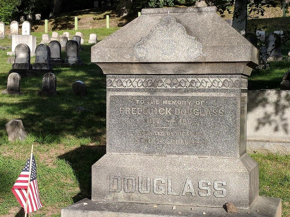 Frederick Douglass gravestone (2018)