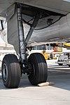 Frontier A319 main gear (2715672493).jpg