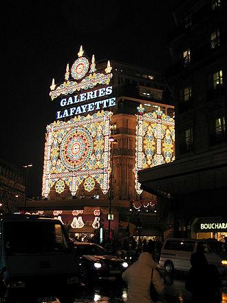 Galeries Lafayette - Image: Galeries lafayette xmas night