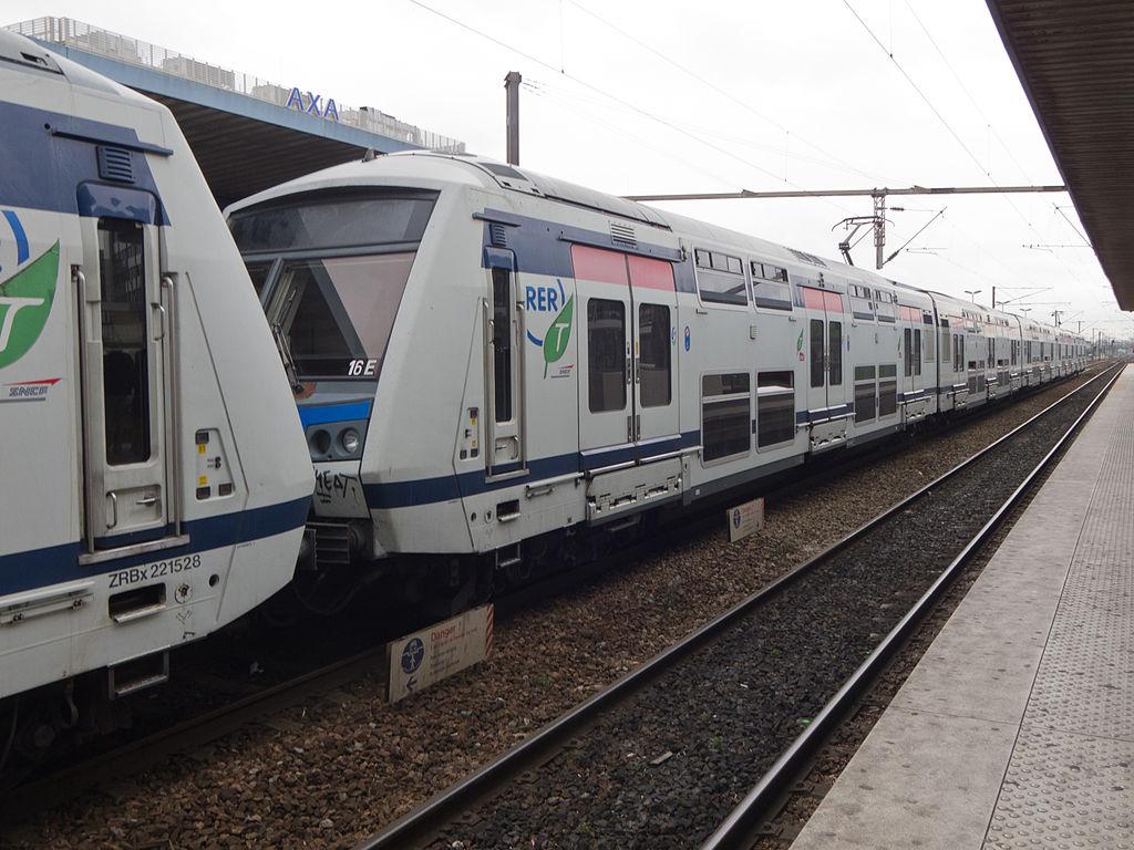 File gare rer e de val de fontenay 2012 06 26 img 2747 for Rer wikipedia