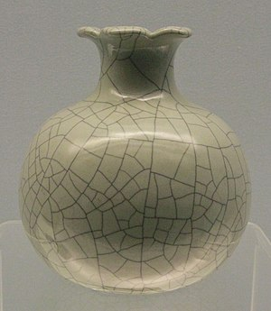 Ge ware - 18th-century imitation of Ge ware in Jingdezhen porcelain, with single crackle pattern.