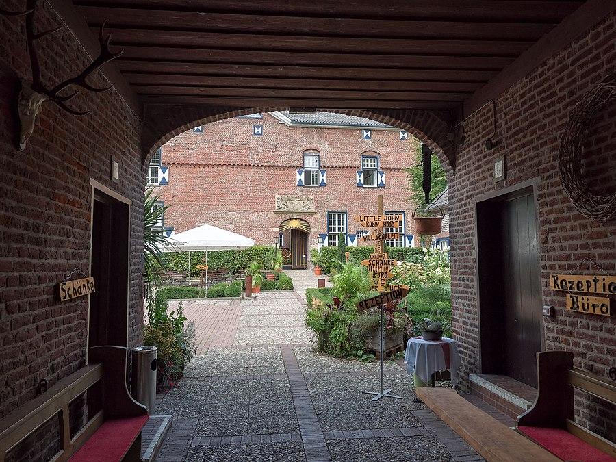 Geldern Baudenkmal GE10062 Schloss Walbeck 06