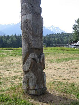Kitwanga - Wolf totem pole in Gitwangax