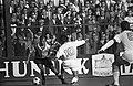 Go Ahead tegen Feyenoord 0-1. Coen Moulijn links en Van der Ley (nummer 10), Bestanddeelnr 922-8438.jpg