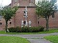 Godewaersvelde (Nord, Fr) église, statues du calvaire 2020.JPG