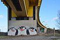 Graffiti penguins, Steinitzsteg, Vienna 01.jpg