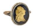 Gustaf IIIs revolutionsring av guld med emalj, 1770-tal - Hallwylska museet - 110240.tif