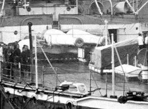BL 13.5 inch naval gun Mk I – IV - Image: HMS Empress of India Stern Drydock Clip Guns