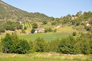 Barras, Alpes-de-Haute-Provence - A hamlet in Barras where there are remains of a medieval settlement.