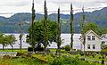 Hamre kirkegårds inngangsparti sett mot Prestekaien.jpg