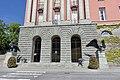 Haugesund rådhus Rådhuset City Hall Munthe-Kaas Blakstad 1931 Skåregata Søylefasade Columns Portal Ørner Eagles Dyre Vaa Norway 2020-06-08 09638.jpg