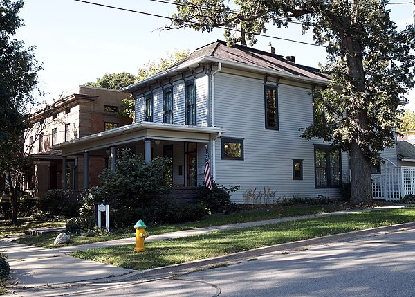Historic district contributing properties in iowa for Wallace homes