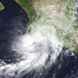 Hurricane Hernan (1996) Category 1 Pacific hurricane in 1996