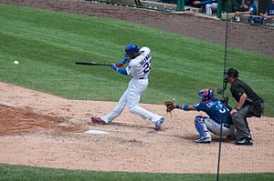 Heyward lines into double play (28356212176).jpg