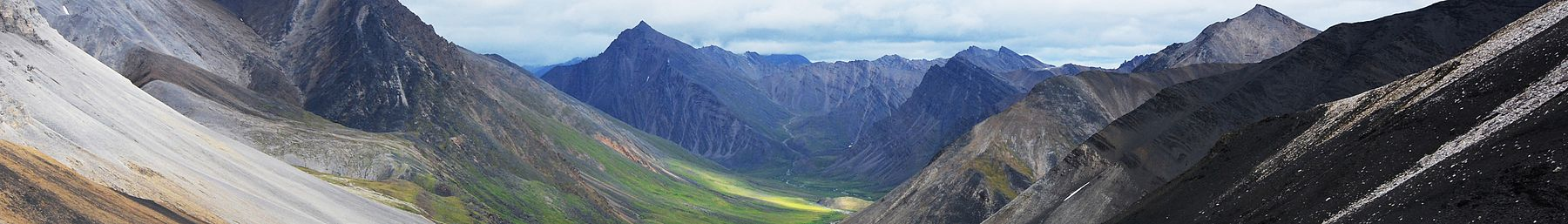 Hiking in Gates of the Arctic National Park banner.jpg