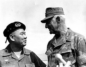 Hoàng Xuân Lãm - LTG Hoang Xuan Lam, CG of MR1 and LTG Donn J. Robertson, CG of III MAF bid each other farewell as LTG Robertson prepares to transfer III MAF to Okinawa from Vietnam, April 14, 1971.