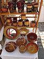 Hrnčířské trhy Beroun 2011, vázy a zrcadlo z Maďarska.JPG