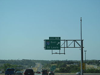 Interstate 470 (Missouri) - I-470 westbound at exit for I-70 eastbound at eastern terminus in Independence