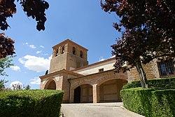 Iglesia de Santiago Apóstol, Villanueva del Rebollar 02.jpg