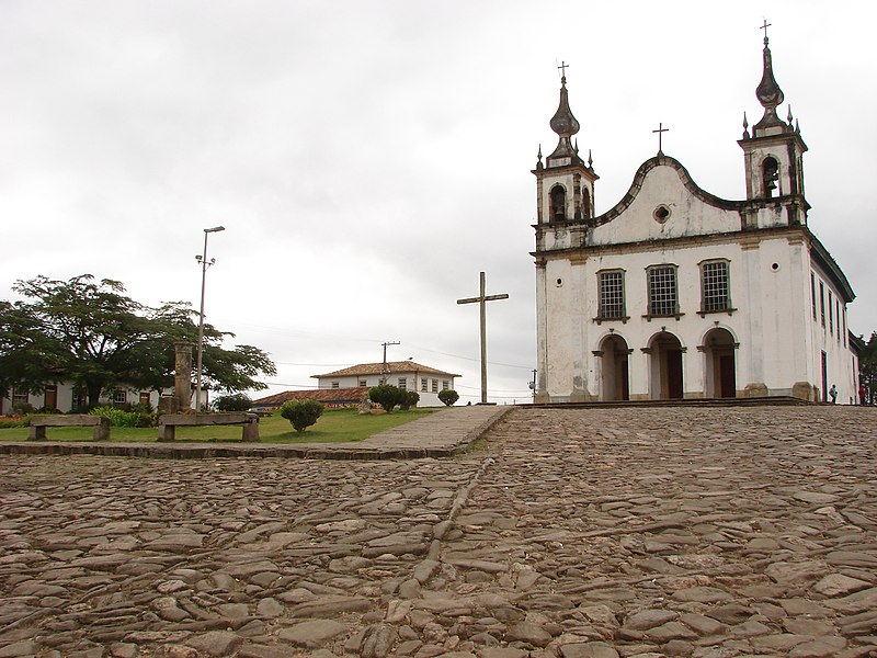 Ficheiro:Igreja Matriz-Catas Altas, MG.jpg