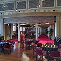 Interieur, kleine foyer aan de voorzijde, overzicht - Kampen - 20335529 - RCE.jpg