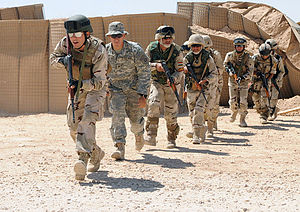 Iraqi Army - Iraqi commandos training under the supervision of soldiers of the US 82nd Airborne.