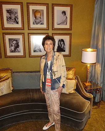 Howard backstage at the Opry, 2017 Jan Backstage at the Opry.jpg