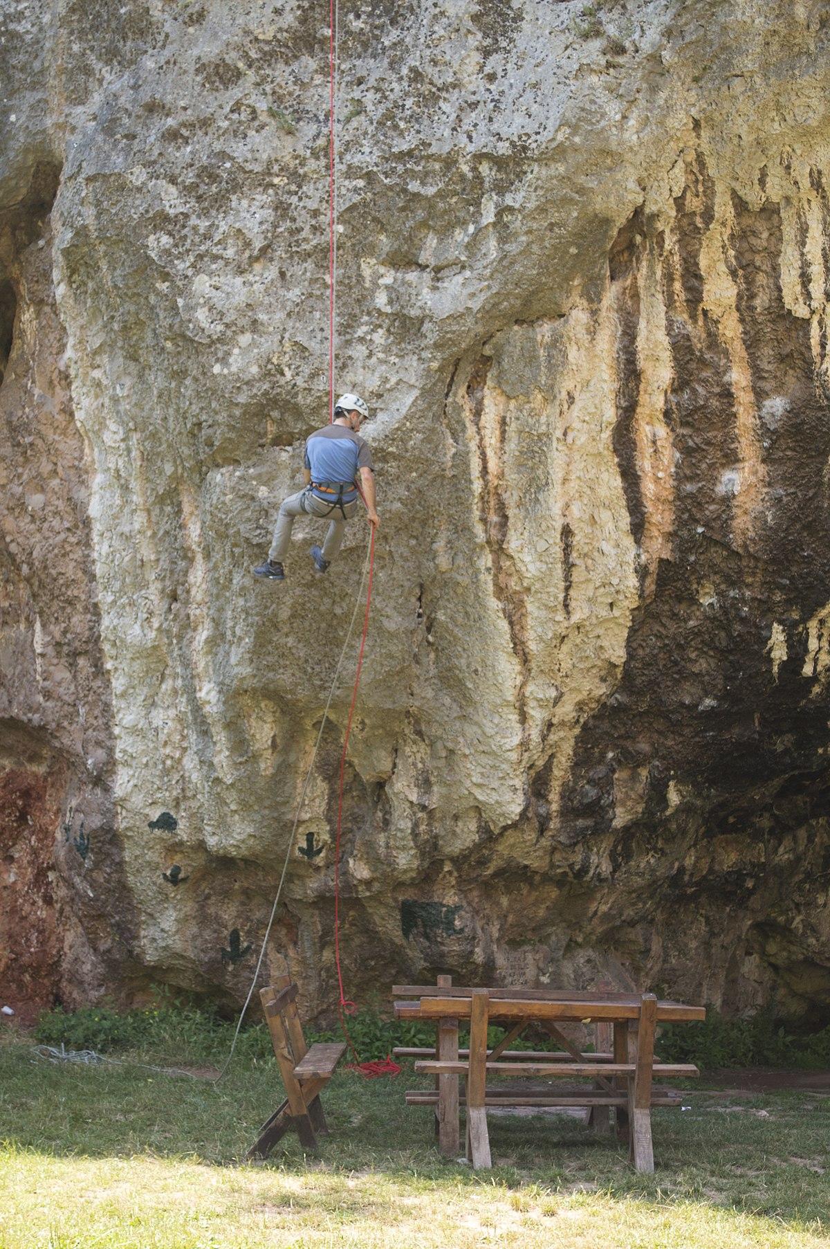 Jelašnička klisura smer Pećina.jpg
