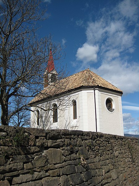 File:Kapelle in Bauernkohlern 3.JPG