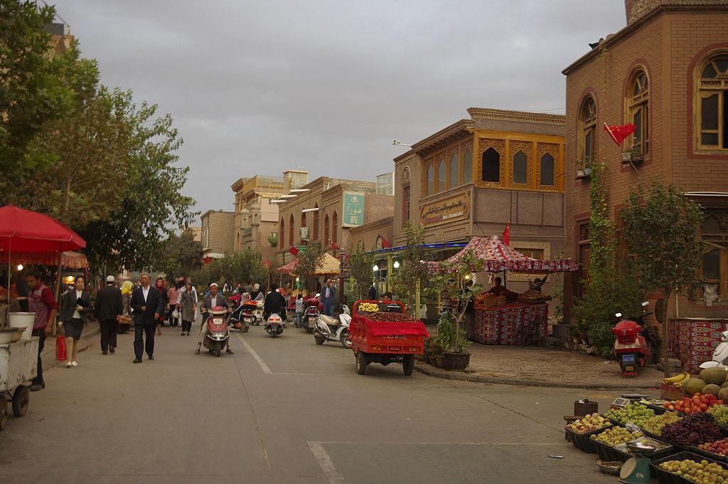 Kashgar everyday life IGP3628.jpg