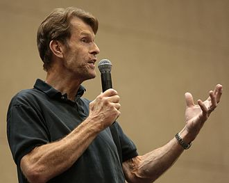 Kevin Conroy - Conroy speaking at the 2017 Phoenix Comicon