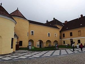 Krnov - Image: Krnov, zámek, nádvoří (1)
