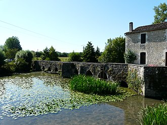 Agnac - The old bridge in Agnac
