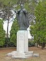 La statue de Mekhitar à San Lazzaro degli Armeni (lagune de Venise) (1620734998).jpg