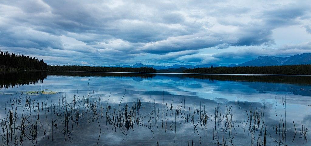 Lago Plateado, Parque nacional y reserva Wrangell-San Elías, Alaska, Estados Unidos, 2017-08-22, DD 135.jpg